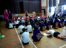 Janis-Mackay-at-Gatehouse-Primary-storytelling.jpg